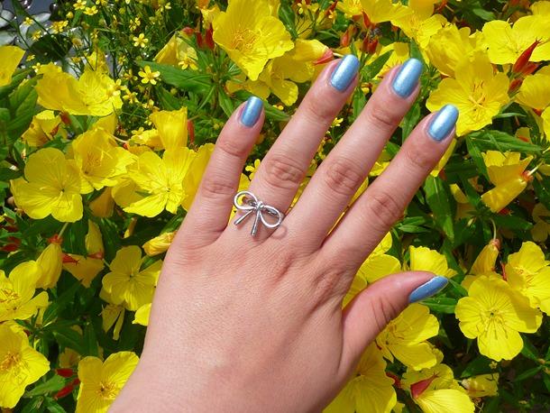 blauwe nagels pauwenlook 047