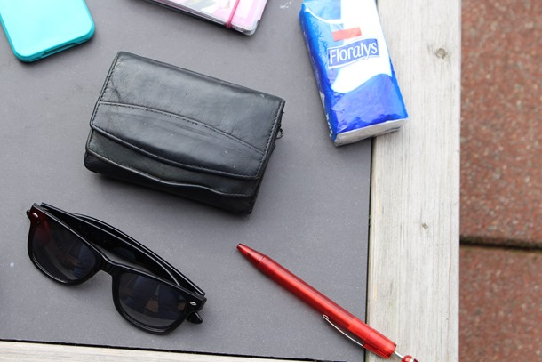 whats in my bag 012