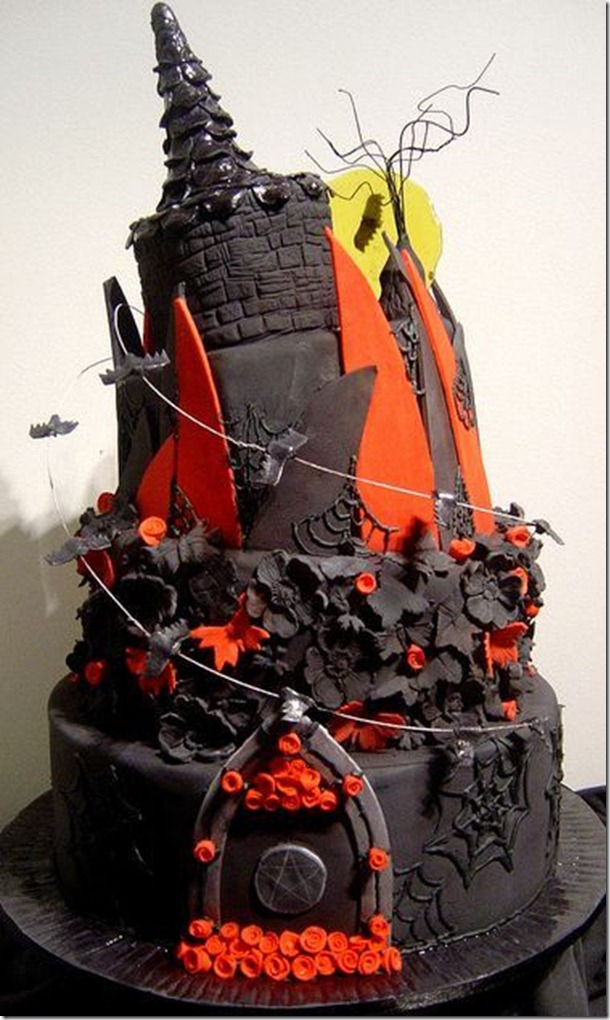 Twisted cathedral black wedding cake_large