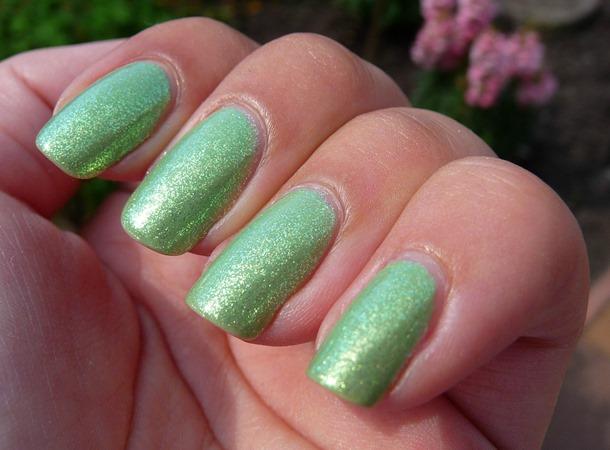 Groene zomer nagellak combinatie