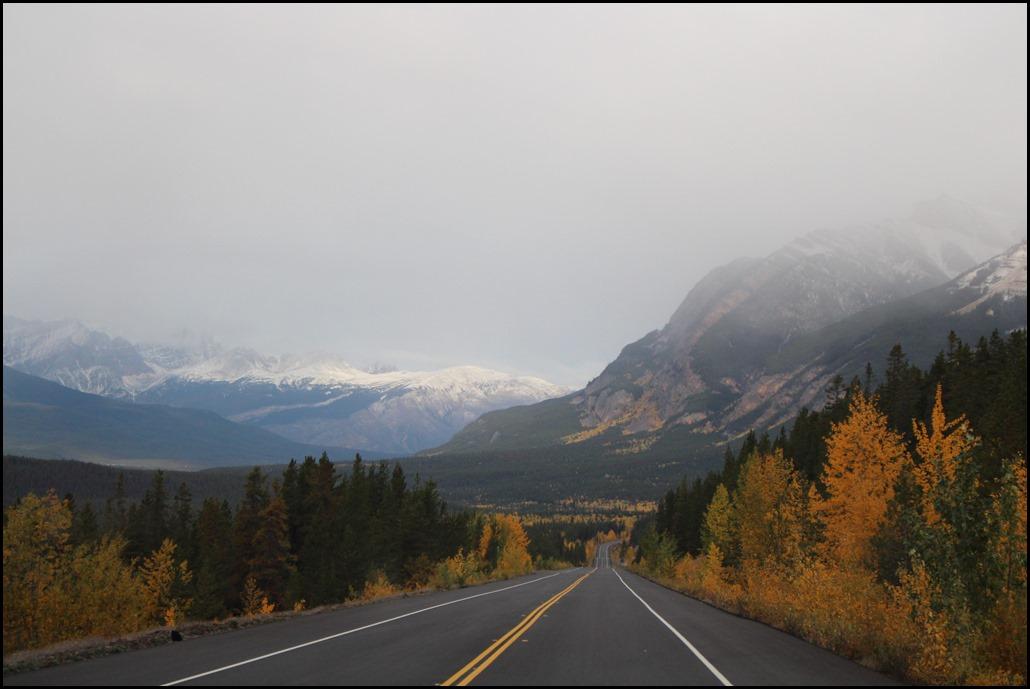 camper huren rijden canada west-canada tips waar kosten budget reis reizen natuur camping campground truck auto